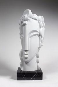 SYRACUSE, 2012 En marbre de Carrare sur un socle en marbre noir veiné blanc H 69,5 - L 29 - P 25 cm (H 27.4 - W 11.4 - D 9.8 in)