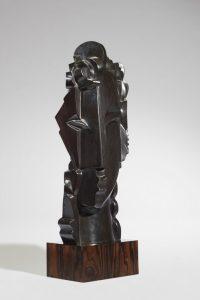 SYRACUSE, 2014 Bronze à patine noire reposant sur un socle en ebène Édition réalisée sur 8 exemplaires Signée et datée H 69,5 - L 29 - P 25 cm (H 27.4 - W 11.4 - D 9.8 in)